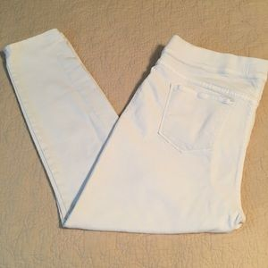 Old Navy white ankle 16